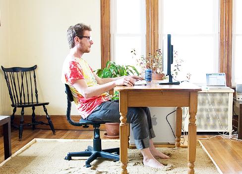 Orang IT Kerja Nggak Perlu Ngantor + Pendapatan Besar perBulan. Inilah Caranya…
